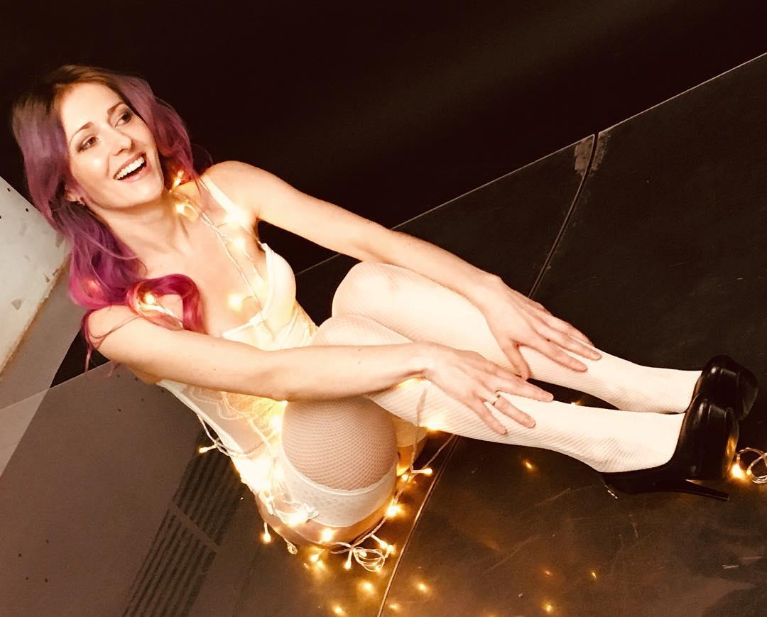 BEST 20 Christmas Photos - Sexy girls wearing stockings